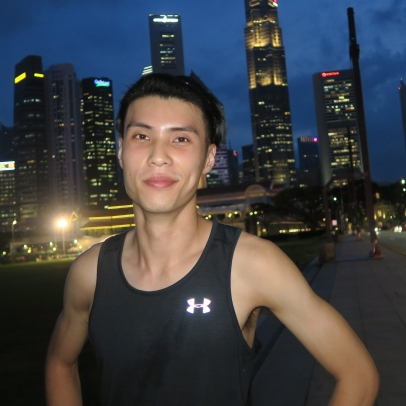 Banjamin Quek is a mid-distance athlete with a 21.1km timing of 1:16:23. The NUS graduate is currently tutoring part-time to train full-time. The Under Armour Athlete will be competing in SCSM 2018. He is managed by ONEathlete.