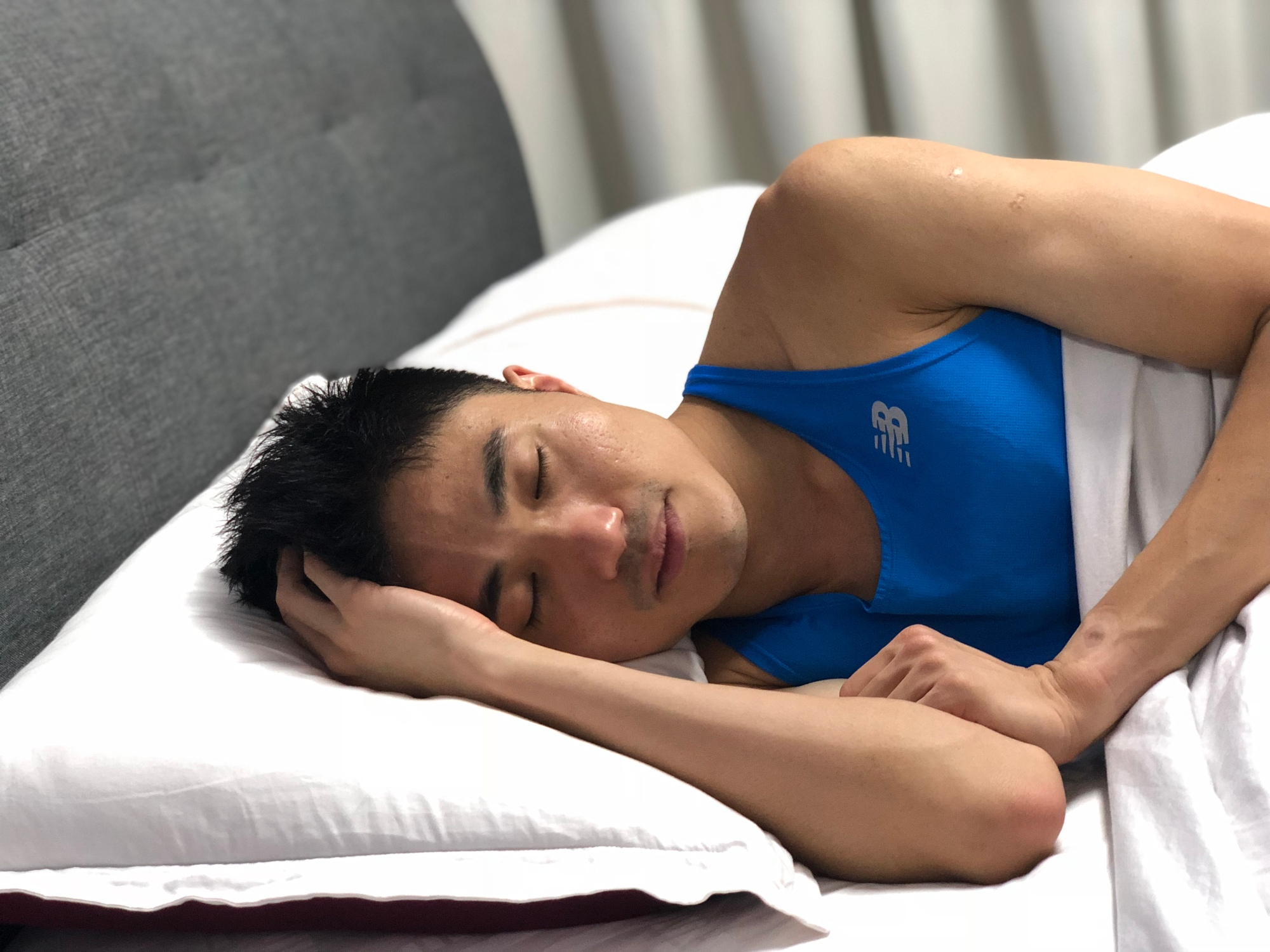 Despite a tight schedule with residency programme and marathon training, Mok Ying Ren tries to sleep at least 6-8 hours a day so that he can recover sufficiently, stay alert and compliment the training. Photo credits: ONEATHLETE